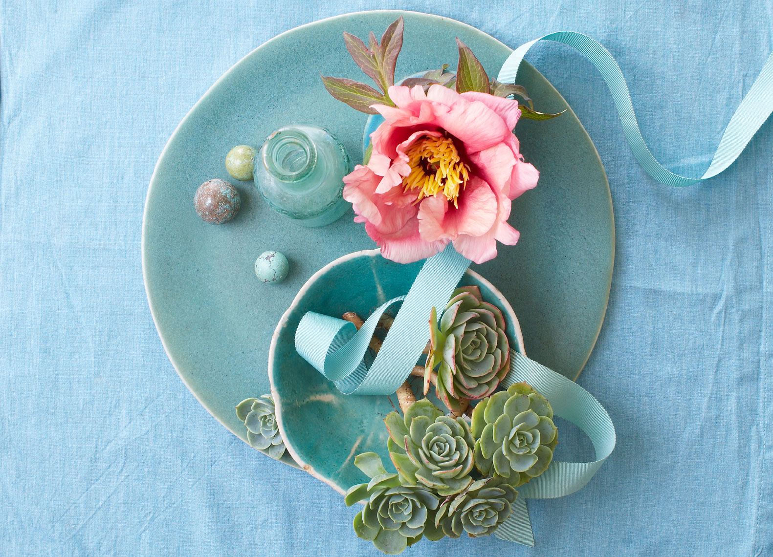 Flower and blue plate Still life Philip Harvey Photography, San Francisco, California, still life, interiors, lifestyle and product photography